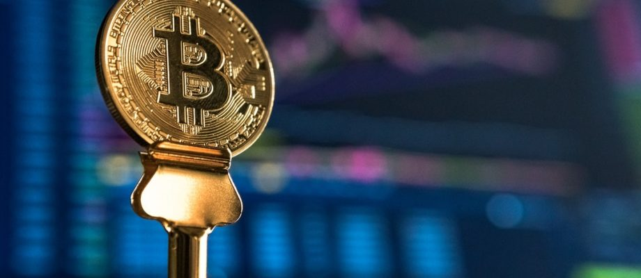 Should You Invest in Bitcoin? The Pros and Cons You Must Consider