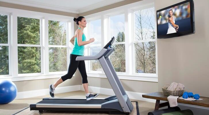 4 Healthy Reasons to Choose a Treadmill Over a Stationary Exercise Bike
