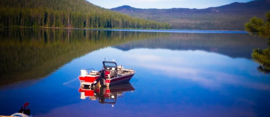 How to Mount a Trolling Motor on a Boat: The Complete Guide